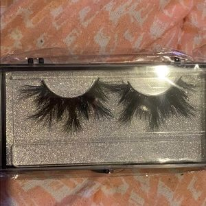 """""""Baby Girl"""" Mink Lashes"""